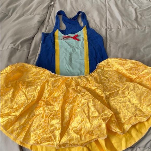 Snow White running costume